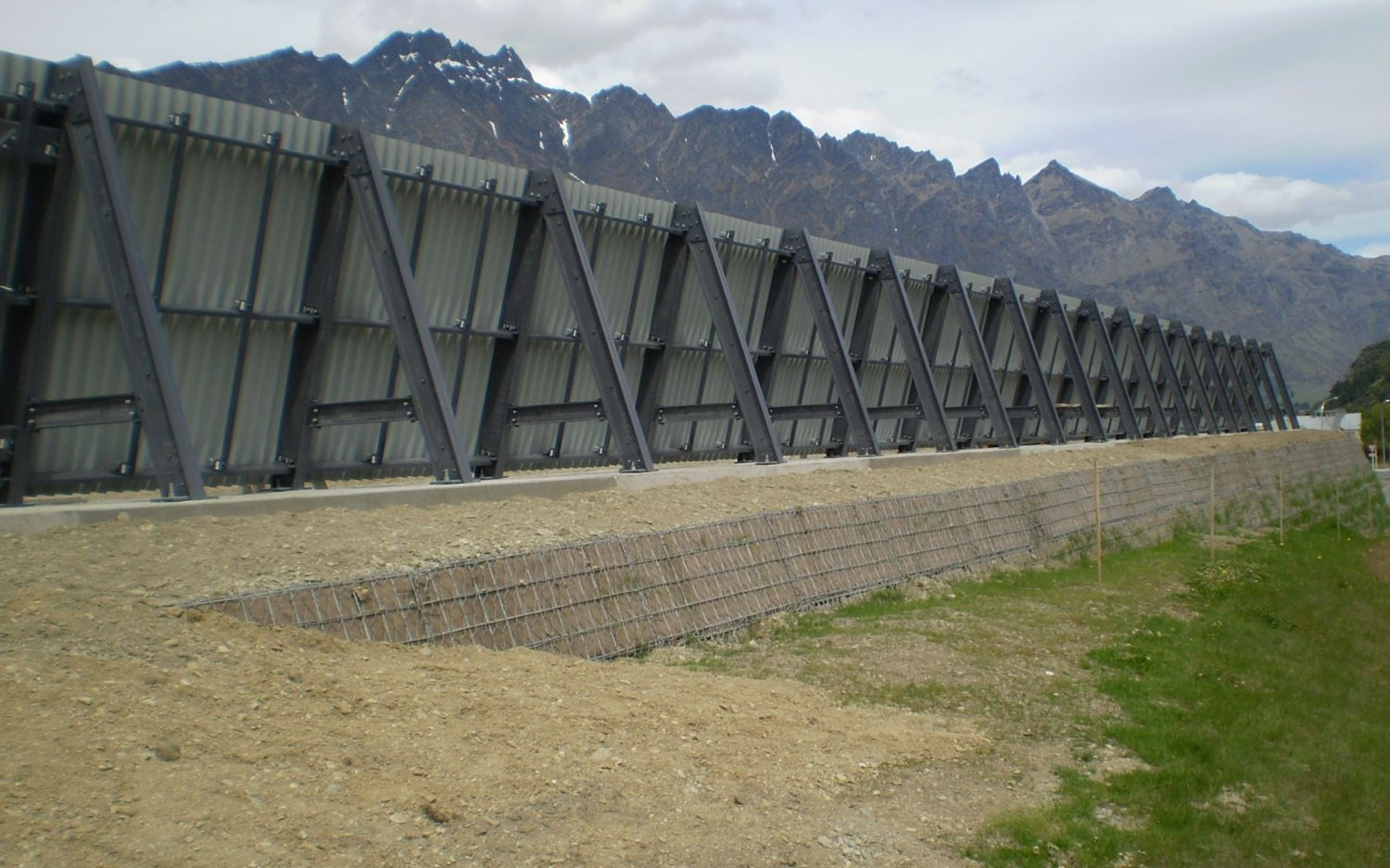 Completed in 2011, this project is composed of a short Blastwall segment protecting an adjacent public road.